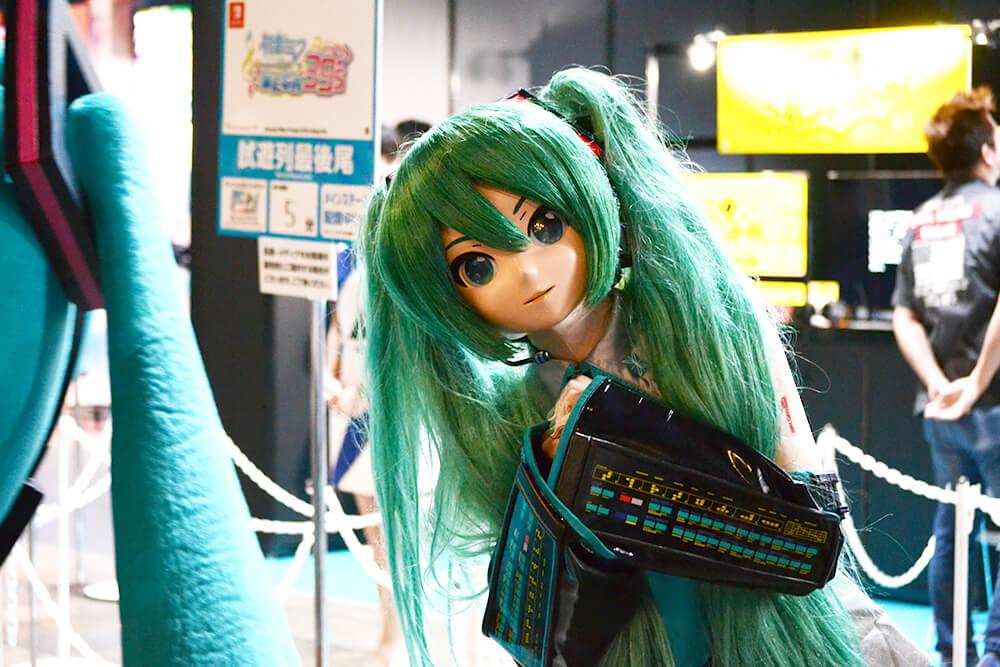 東京ゲームショウ2019(TGS2019)の会場内にいた初音ミク