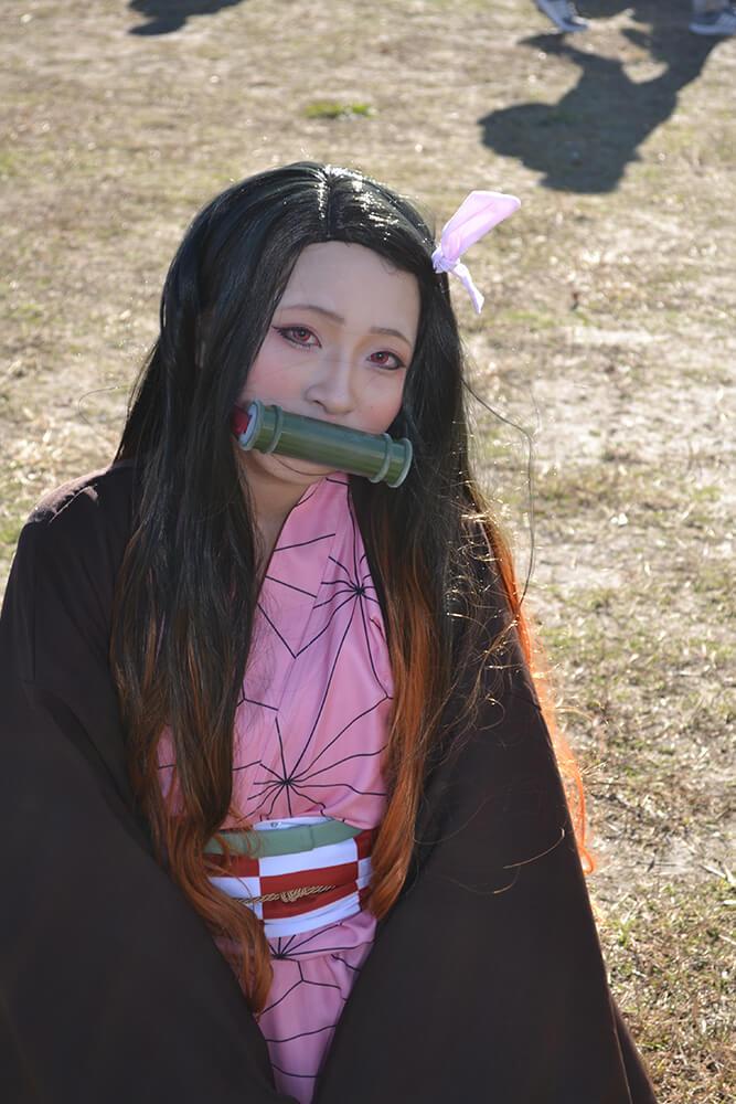 コミケ97のコスプレイヤー菓子003