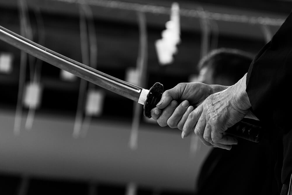 日本刀の持ち方