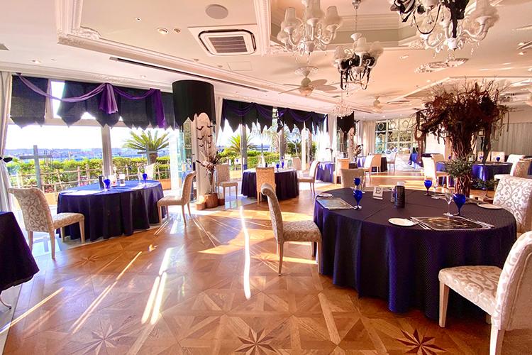 ホテル舞浜ユーラシアのコスプレイベントの会場内のハロウィン仕様になっている様子