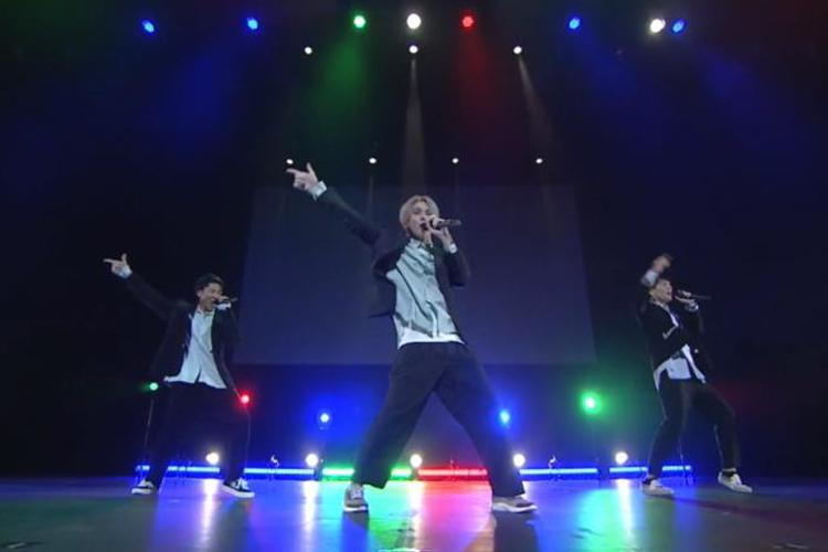 Leadのオンラインイベント『~TOKYO MX Presents~「Leadバラエティ」オンラインイベント』で新曲「Tuxedo~タキシード~」や「志~KO.KO.RO.ZA.SHI.~」、「トーキョーフィーバー」を披露02
