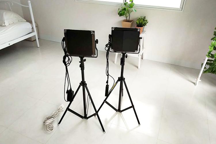 サクラスタジオ‐新宿曙橋スタジオ‐にて無料貸し出しされている照明と延長コード