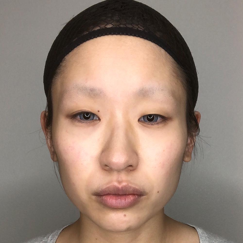コスプレテーピングのテクニックを解説してくれる綴喜明日香さんの素顔