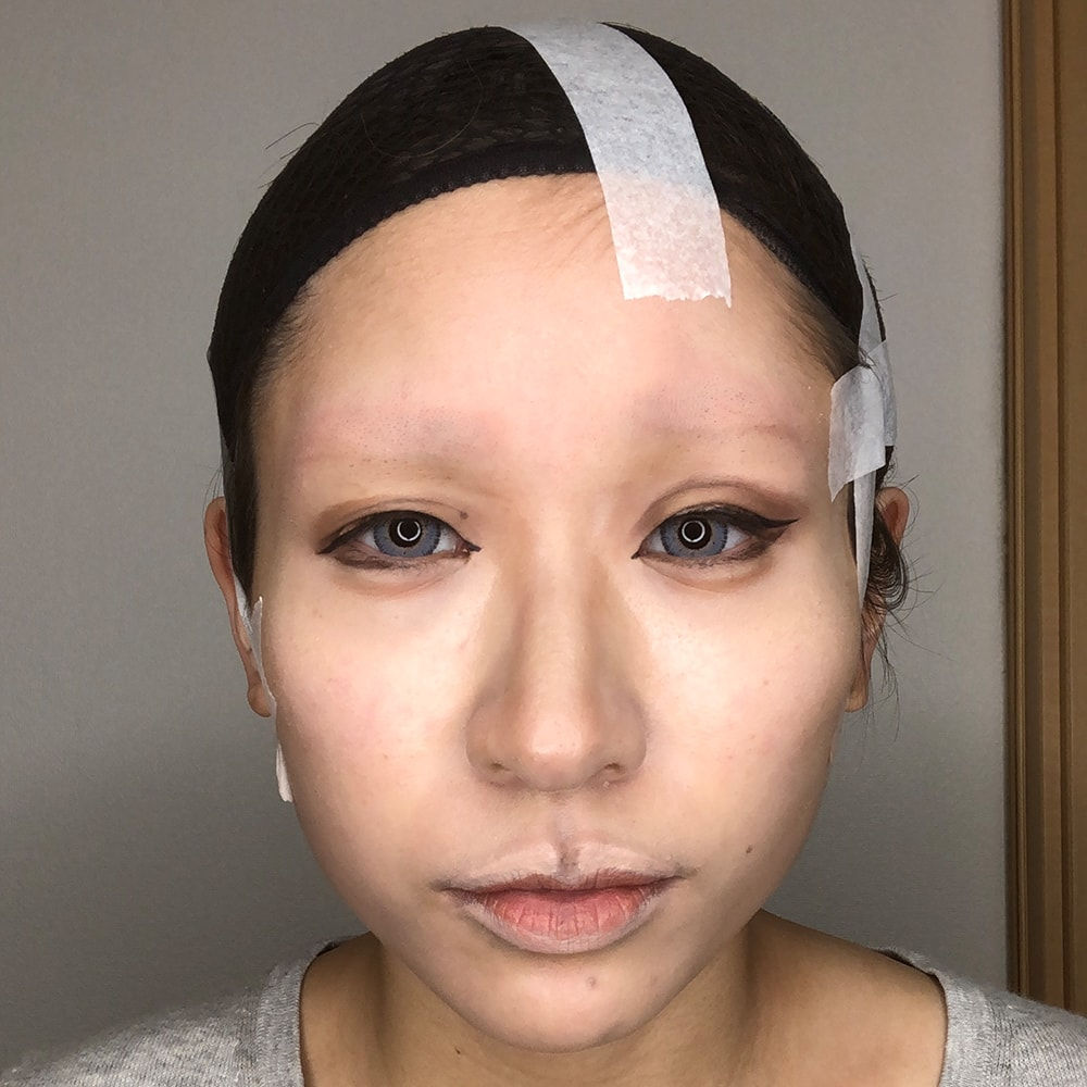コスプレテーピングのテクニックのでか目の作り方