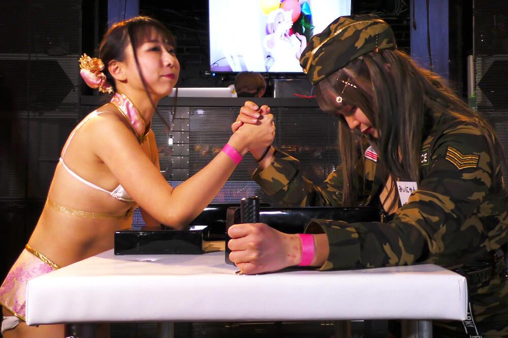 みぃにゃんvs高瀬有紗の腕相撲大会02