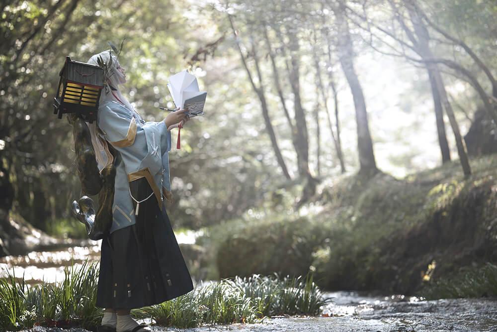陰陽師ー書妖のコスプレをするコスプレイヤー麗華