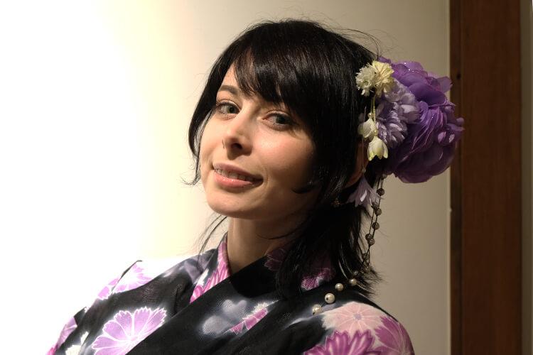 オフ会にてインタビューしたコスプレイヤーのユリコタイガーさんの衣装で着た浴衣にプラスした髪飾り